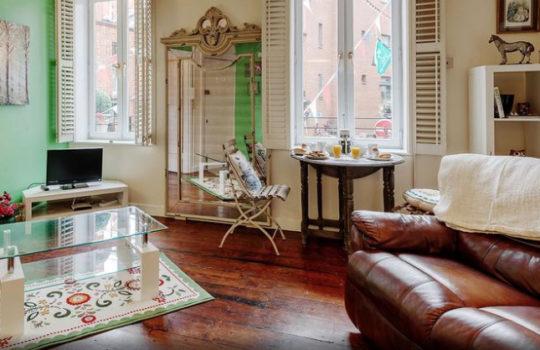 Temple Bar Essex Street Apartment