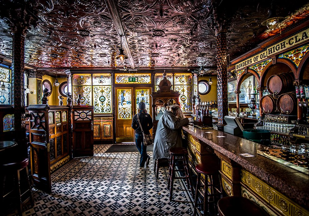 The Crown Pub, founded in 1885. Most Victorian age pub in Belfast.  A visit to iconic and historic pub district in Belfast, Ireland. January 2013